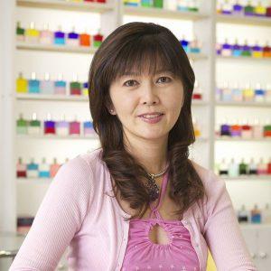 泉智子先生の顔写真